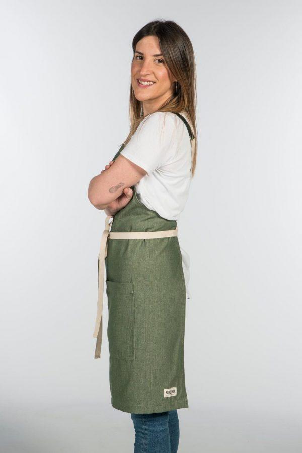 delantal verde